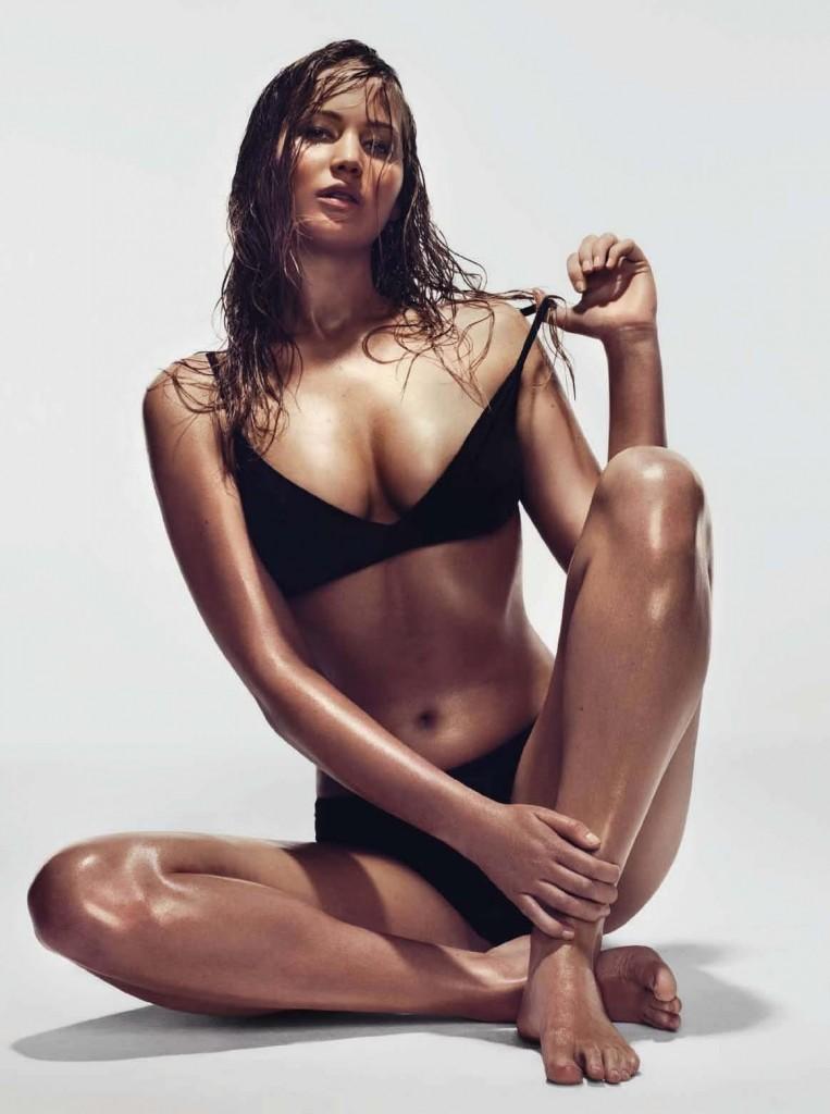 jennifer-lawrence-hot-golden-globes-boobs