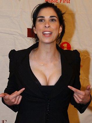 Sarah Silverman Boobs Sarah Silvermans Uneven Boobs Can Be Fixed